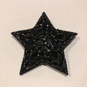Jewelry - Black crystal star brooch